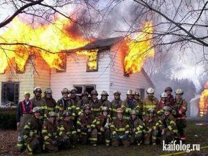 Пожарники жгут