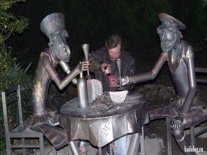 Памятники пьяным и алкоголю