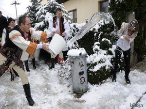 Снежные девушки