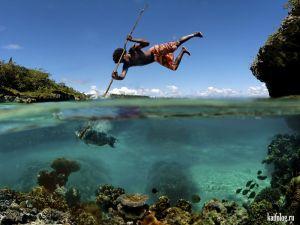 Наполовину под водой