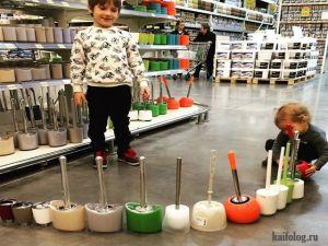 Дети в магазинах