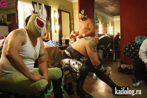 Мексиканские рестлеры (10 фото)