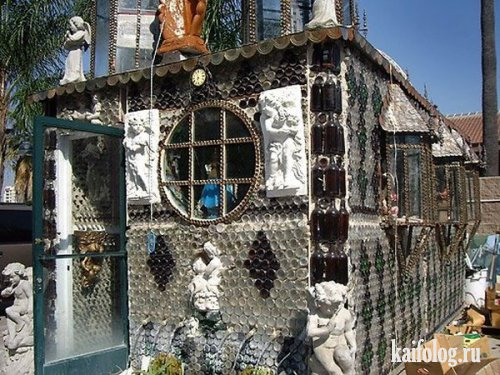 Храм из бутылок (8 фото)