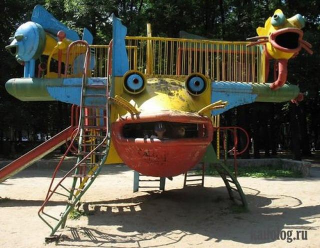 Ужасы детских площадок (45 фото + 1 видео)