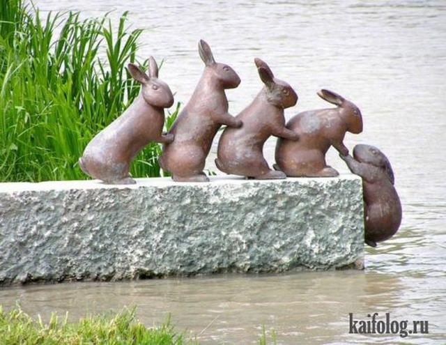 Прикольные статуи и памятники (40 фото)