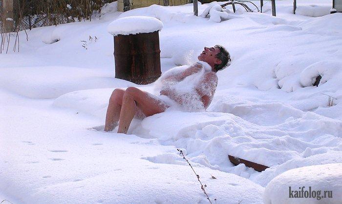zhena-golaya-v-snegu