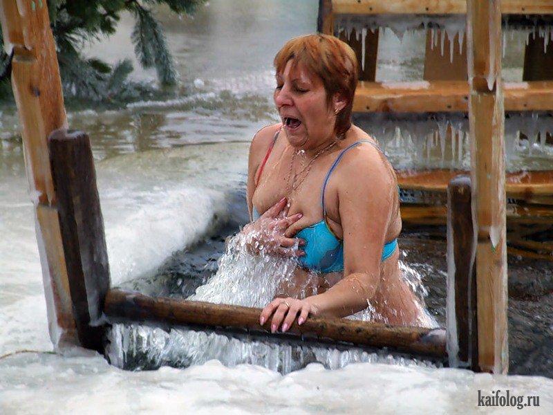 Голые Тетки Купаются На Крещение