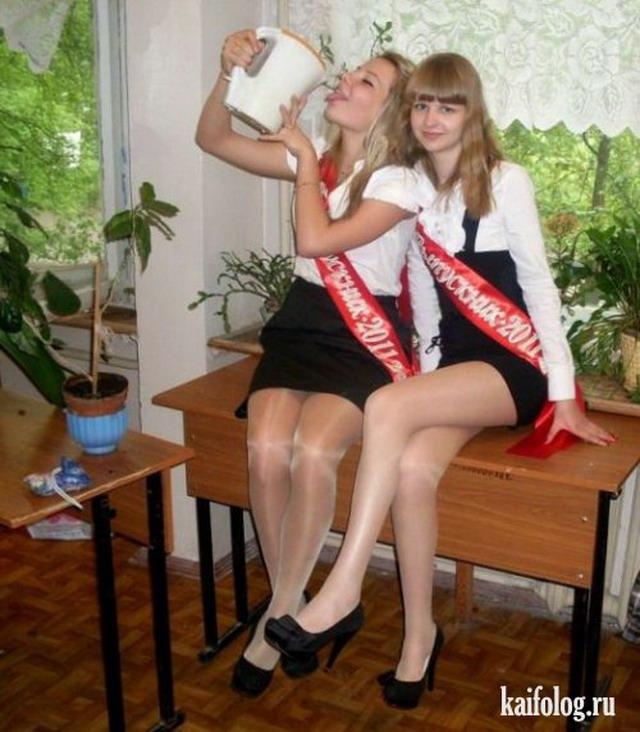 Фото девочки в чулках засветы фото 172-570