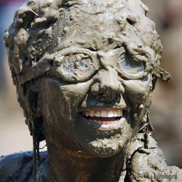 Фестиваль любителей грязи (35 фото)