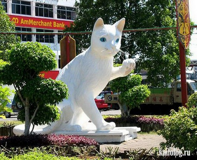 Статуи котов (50 фото)
