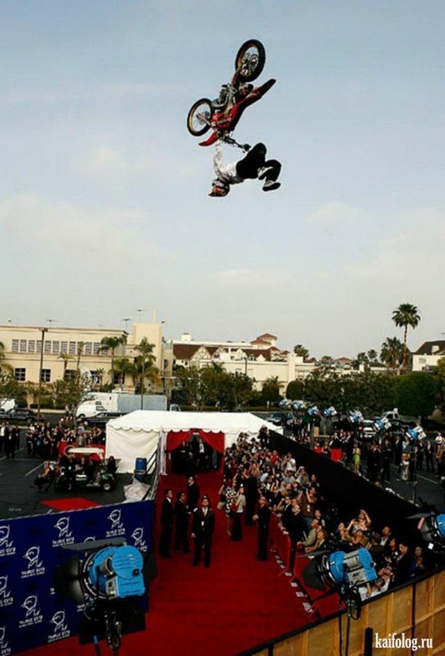 Безбашенные мотоциклисты (45 фото)