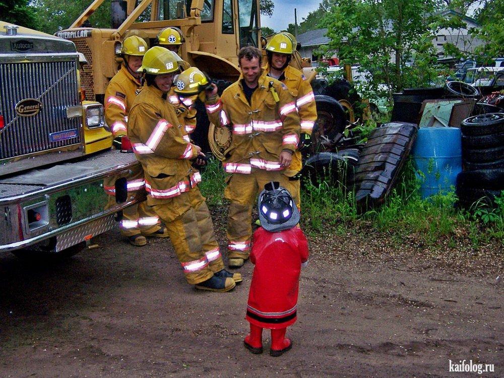неожиданно смешные картинки про пожарных лице, шее, кистях