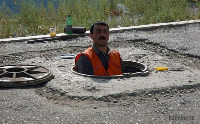Приколы про канализационные люки (65 фото)
