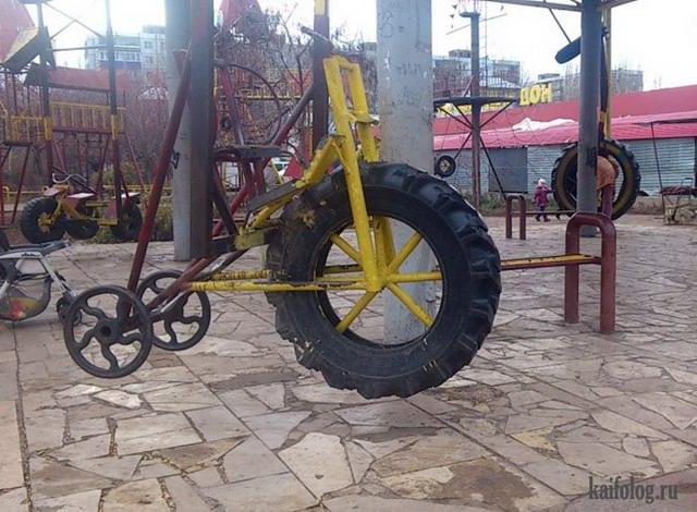 Суровые детские площадки (45 фото)