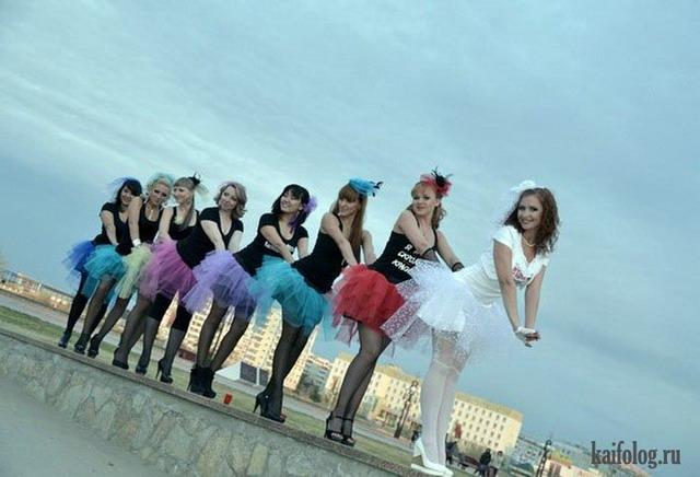 Девушки на девичниках (45 фото)