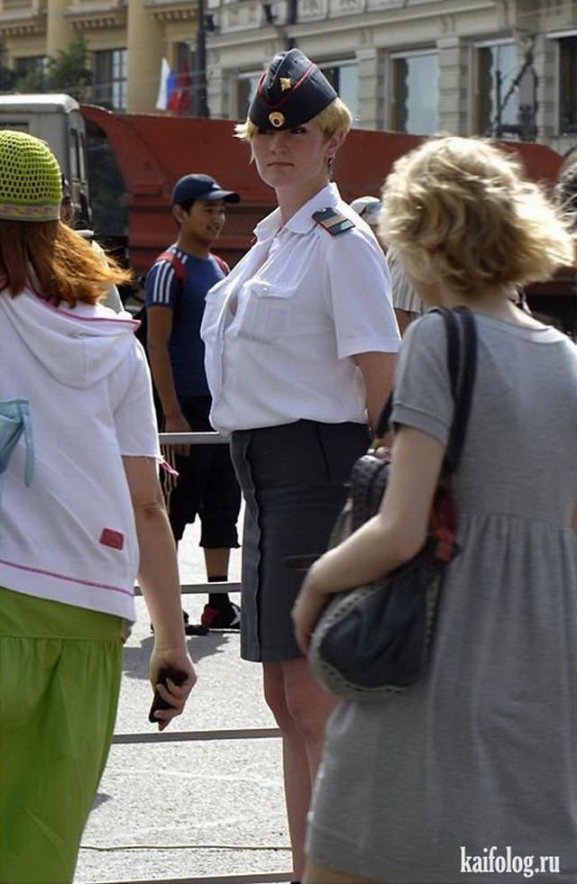 Эротика блондинки форме полиции 26 фотография