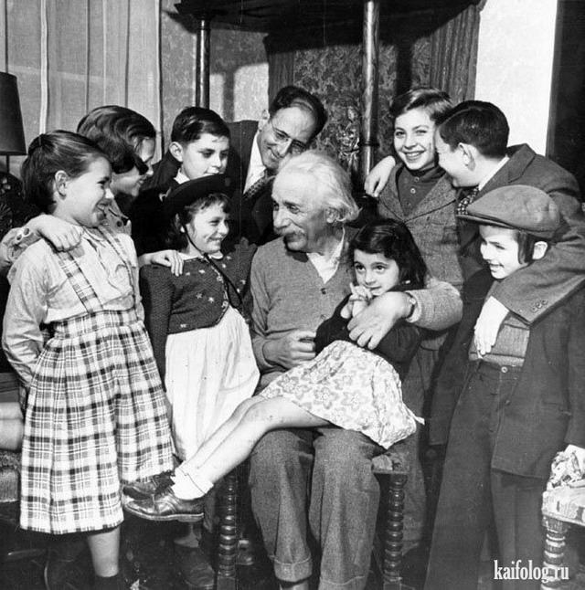 Альберт Эйнштейн (30 фото)