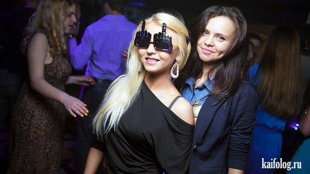 Клубные девушки (55 фото)