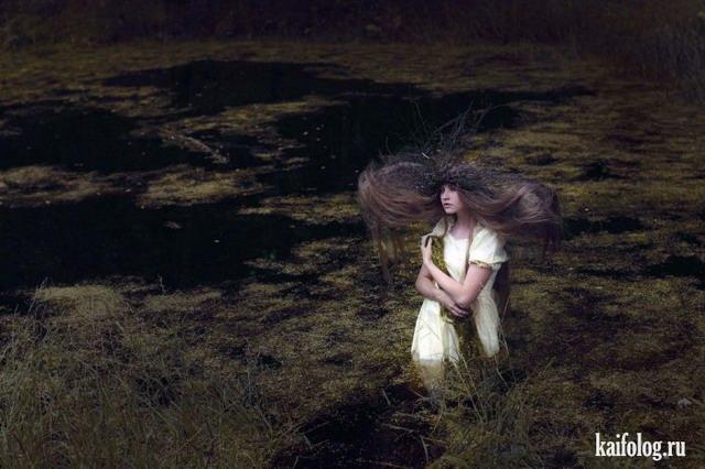 Девушки в естественной среде обитания (45 фото)
