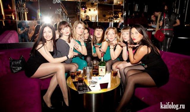 Праздничные девушки или с 8-м марта (55 фото)