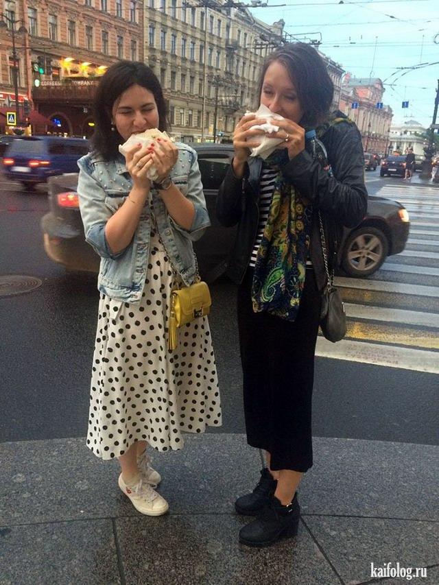 Девушки и шаурма (50 фото)