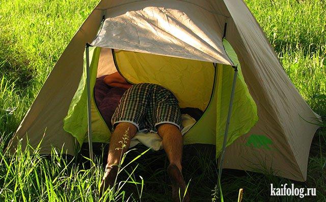 Прямо в палатку попал