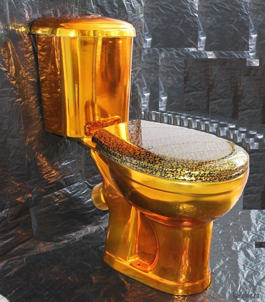 Картинка туалет золотой