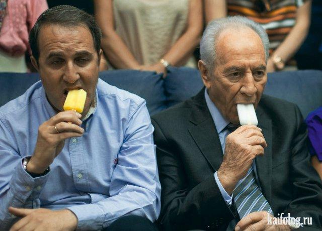 Знаменитости едят мороженое (35 фото)