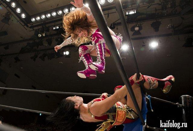 Женский реслинг в Японии (30 фото)