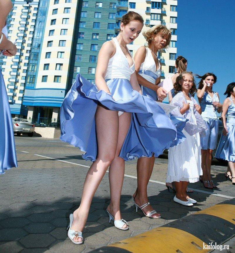 только юбка в танце задирается неумолимо