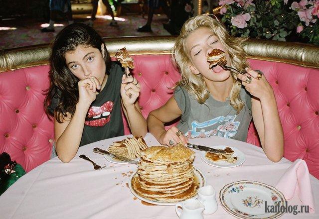 Как девушки едят (50 фото)