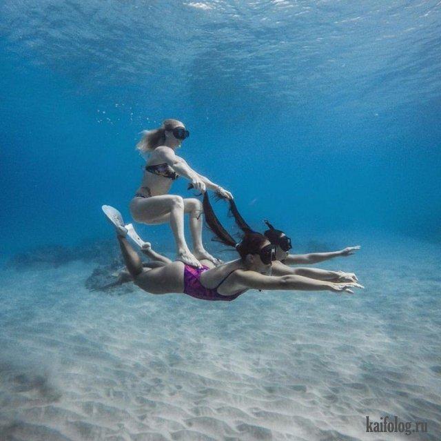 Девушки на море (40 фото)