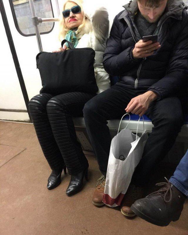Суровая мода русского метрополитена (50 фото)