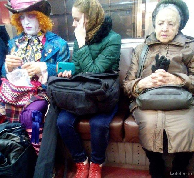 Странные обитатели российского метрополитена (35 фото)