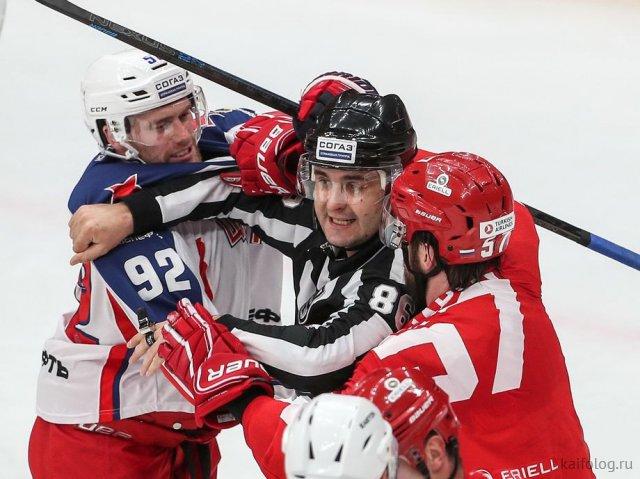 Хоккейные стоп-кадры (35 фото)