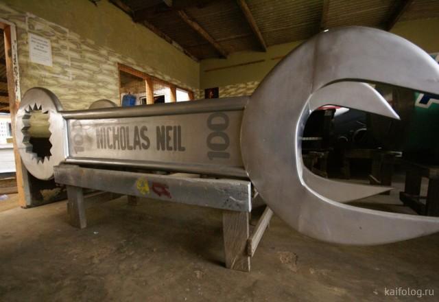 Прикольные гробы (35 фото)